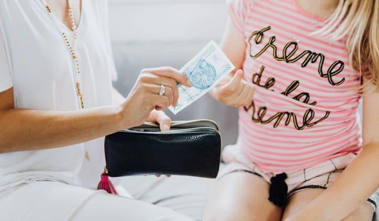 Argent de poche et enfants : quel montant donner et à quel âge ?