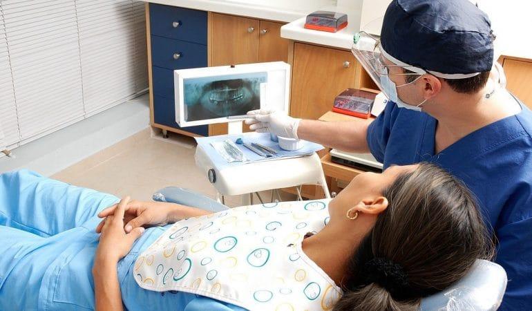 Quels sont les soins dentaires à suivre pour une femme enceinte ?