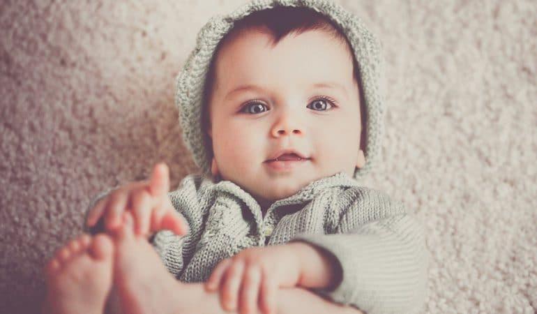 Développement et progrès de votre bébé de 4 mois